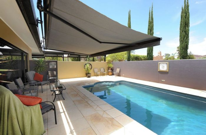 Awning- Retractable
